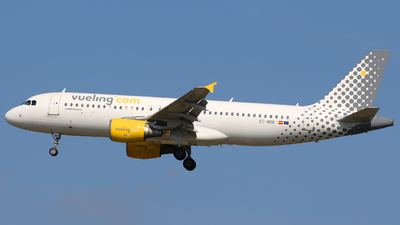 EC-MBK - Airbus A320-214 - Vueling Airlines