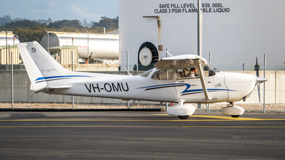VH-OMU - Cessna 172S Skyhawk SP - Air Gold Coast