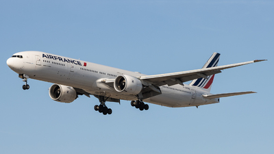 A picture of FGZNB - Boeing 777328(ER) - Air France - © Sean Brink