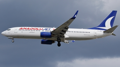 A picture of TCJFN - Boeing 7378F2 - Turkish Airlines - © Boris Motel