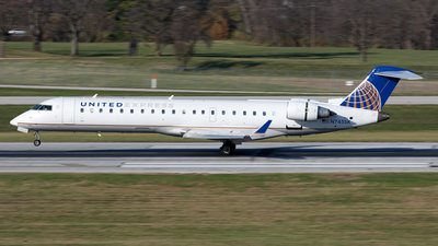 N745SK - Bombardier CRJ-701 - United Express (SkyWest Airlines)