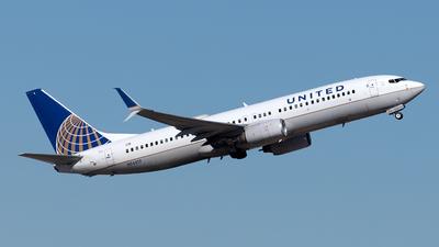 N76517 - Boeing 737-824 - United Airlines