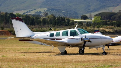 ZS-HWW - Beechcraft 58 Baron - Private