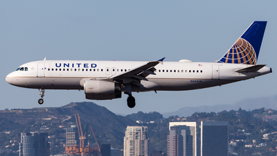 A picture of N441UA - Airbus A320232 - United Airlines - © Brandon Giacomin