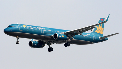 A picture of VNA615 - Airbus A321231 - Vietnam Airlines - © Huy Do