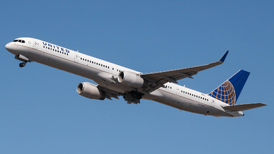 N57855 - Boeing 757-324 - United Airlines