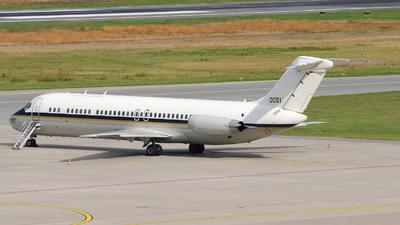 160051 - McDonnell Douglas C-9B Skytrain II - United States - US Navy (USN)