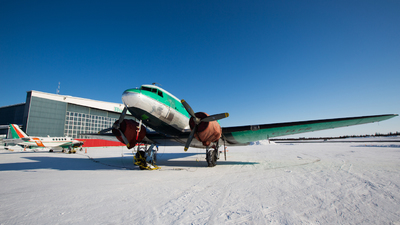 C-FLFR - Douglas DC-3 - Buffalo Airways