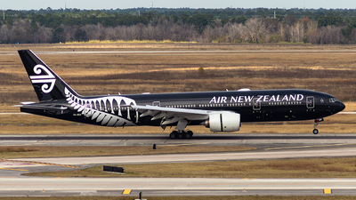 ZK-OKH - Boeing 777-219(ER) - Air New Zealand