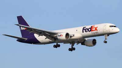 A picture of N993FD - Boeing 7572Q8(SF) - [24965] - © Joe Osciak