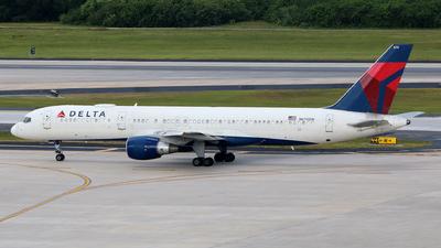 N670DN - Boeing 757-232 - Delta Air Lines