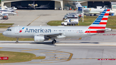 A picture of N103US - Airbus A320214 - American Airlines - © Jay Cassady