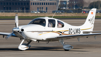 A picture of ECLMS - Cirrus SR22 - [1330] - © Kelvin Jahae