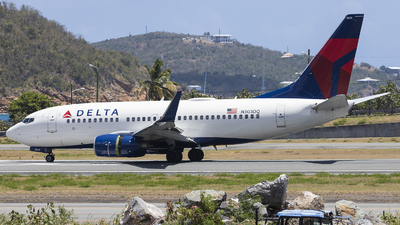 N303DQ - Boeing 737-732 - Delta Air Lines