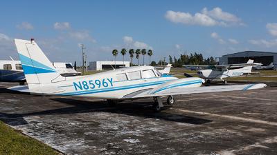 N8596Y - Piper PA-30-160 Twin Comanche - Private