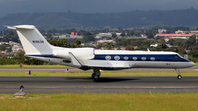 N1963N - Gulfstream G450 - Private