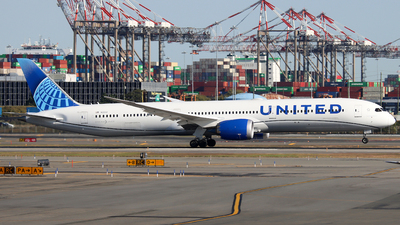 A picture of N12012 - Boeing 78710 Dreamliner - United Airlines - © Xiamen Air 849 Heavy