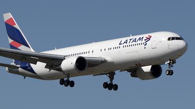 A picture of CCCWV - Boeing 767316(ER) - LATAM Airlines - © Art Brett