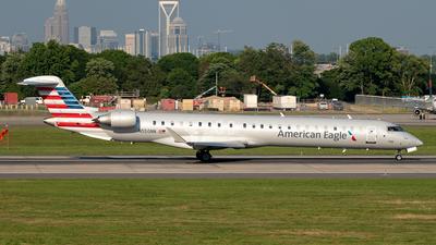A picture of N550NN - Mitsubishi CRJ900LR - American Airlines - © Yan777