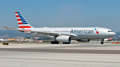 N286AY - Airbus A330-243 - American Airlines