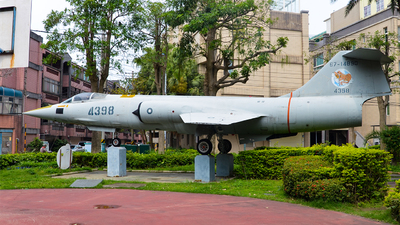 4398 - Lockheed F-104G Starfighter - Taiwan - Air Force