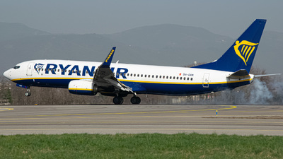 A picture of 9HQAM - Boeing 7378AS - Ryanair - © Fabio Pozzessere