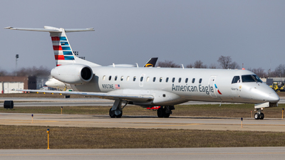 A picture of N907AE - Embraer ERJ145LR - American Airlines - © bellcc