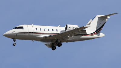 N209QS - Bombardier CL-600-2B16 Challenger 650 - NetJets Aviation