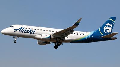 A picture of N645QX - Embraer E175LR - Alaska Airlines - © Alec Mollenhauer