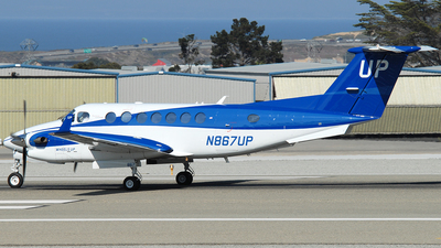 N867UP - Beechcraft 300 Super King Air - Wheels Up