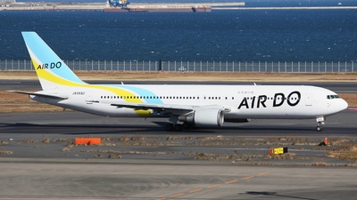 JA98AD - Boeing 767-33A(ER) - Air Do (Hokkaido International Airlines)