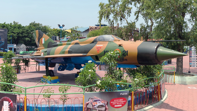 C982 - Mikoyan-Gurevich MiG-21 Fishbed - India - Air Force