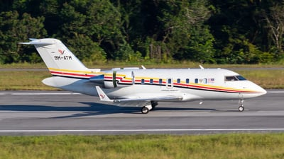 A picture of 9MATM - Bombardier Challenger 605 - [5844] - © JC28
