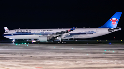 A picture of B5928 - Airbus A330323 - China Southern Airlines - © ZUCK-ZX