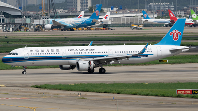 A picture of B8548 - Airbus A321211 - China Southern Airlines - © MICHAELWang