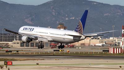N76054 - Boeing 767-424(ER) - United Airlines