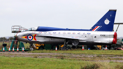 XS458 - English Electric Lightning T.5 - Private