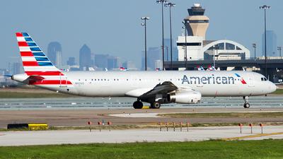N921US - Airbus A321-231 - American Airlines