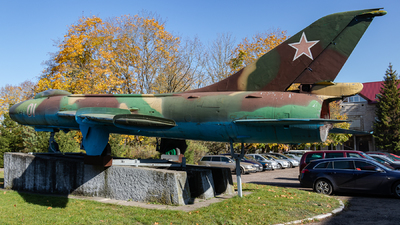 01 - Sukhoi Su-7BKL Fitter A - Soviet Union - Air Force