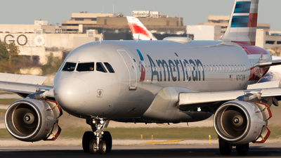 A picture of N747UW - Airbus A319112 - American Airlines - © Ben Suskind