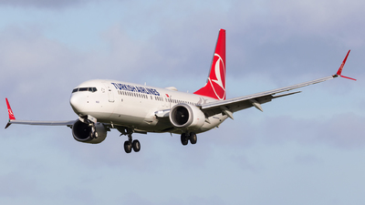 A picture of TCLCF - Boeing 737 MAX 8 - Turkish Airlines - © Dave Henderson