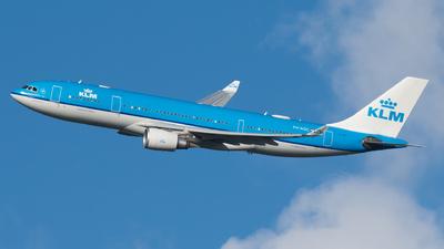 A picture of PHAOC - Airbus A330203 - KLM - © Ricardo de Vries