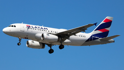 A picture of PRMBW - Airbus A319132 - LATAM Airlines - © Felipe Oliveira - @oliver_spotting