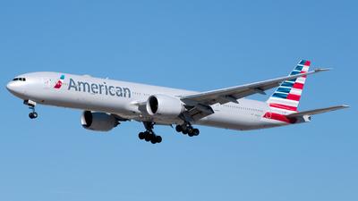 N736AT - Boeing 777-323ER - American Airlines