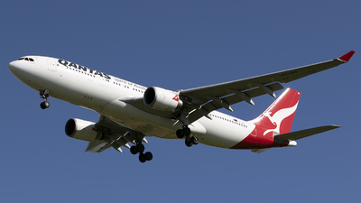 A picture of VHEBS - Airbus A330202 - Qantas - © Brenden