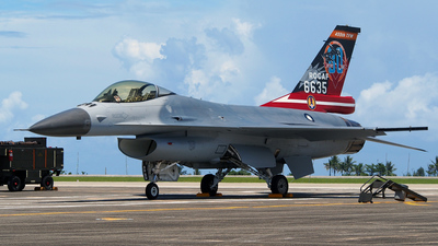 6635 - General Dynamics F-16A Fighting Falcon - Taiwan - Air Force