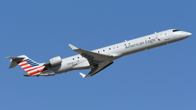 A picture of N904FJ - Mitsubishi CRJ900ER - American Airlines - © DJ Reed - OPShots Photo Team