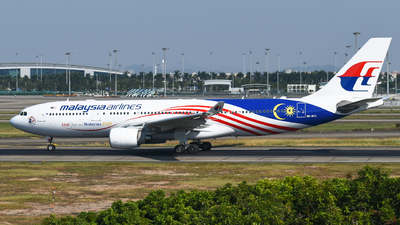 9M-MTX - Airbus A330-223 - Malaysia Airlines