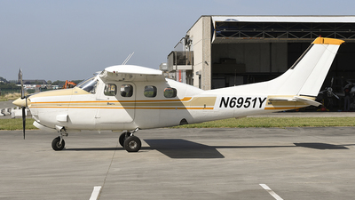 N6951Y - Cessna P210N Pressurized Centurion - Private