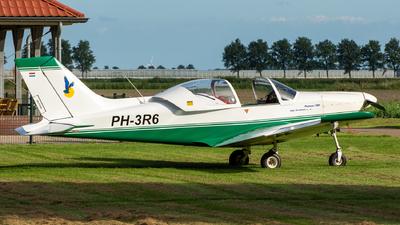 A picture of PH3R6 - Alpi Pioneer 300 Hawk - [0072] - © Dutch